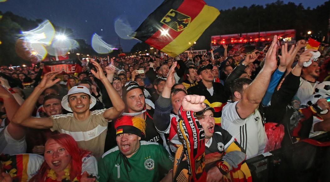 Germany-Fans-180623-InBerlin-G-1050
